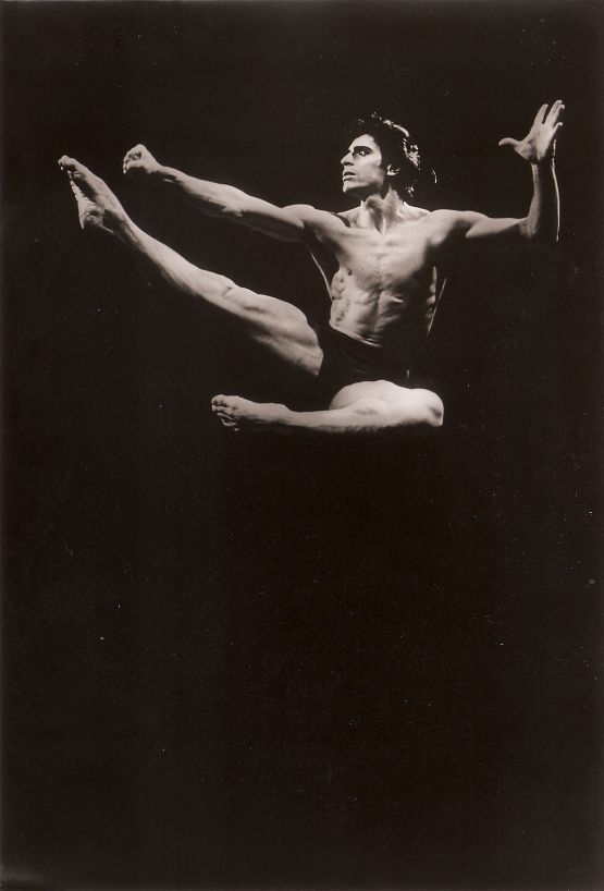 bailarines de ballet  EDWARD VILLELLA IN CONVERSATION