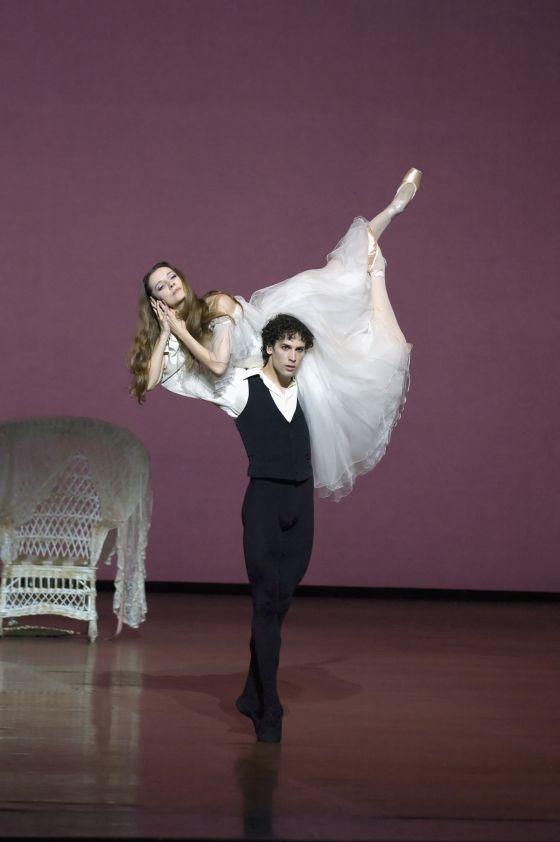 bailarines de ballet  Agnès Letestu ses adieux dans La Dame aux Camélias