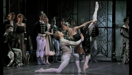 clasica  Swan Lake by STAATSBALLETT BERLIN