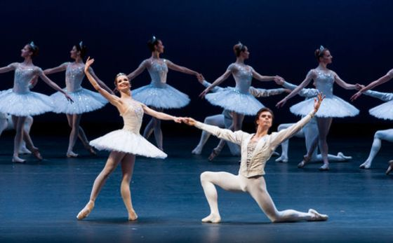 internacional  Jewels Ballet by George Balancine   Bolshoi Ballet