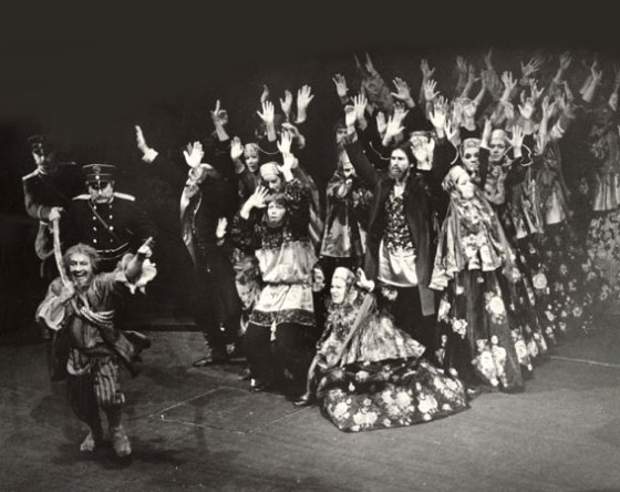 articulos de danza  From Bolshoi to Belfast: The Theatre of Costume