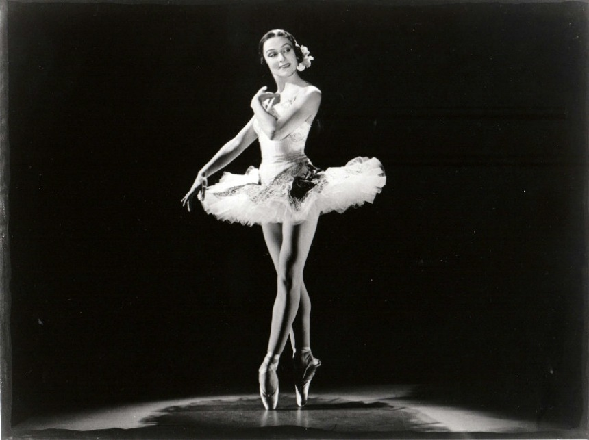 bailarines de ballet  L'Opéra de Paris rend hommage à Yvette Chauviré