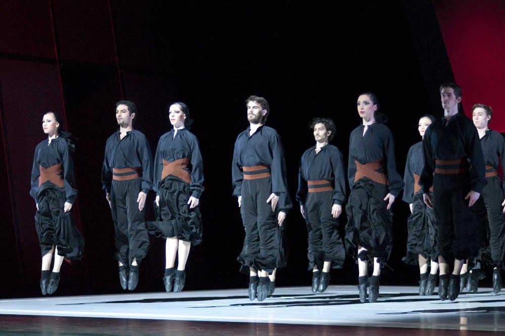 colaboradores bailarines de ballet  Espectacular ballet Carmen / Bolero de Ben Van Cauwenbergh