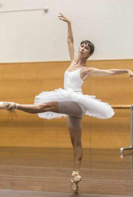 bailarines de ballet  El Cascanueces de la Compañía Nacional de Danza como estreno absoluto en Pamplona