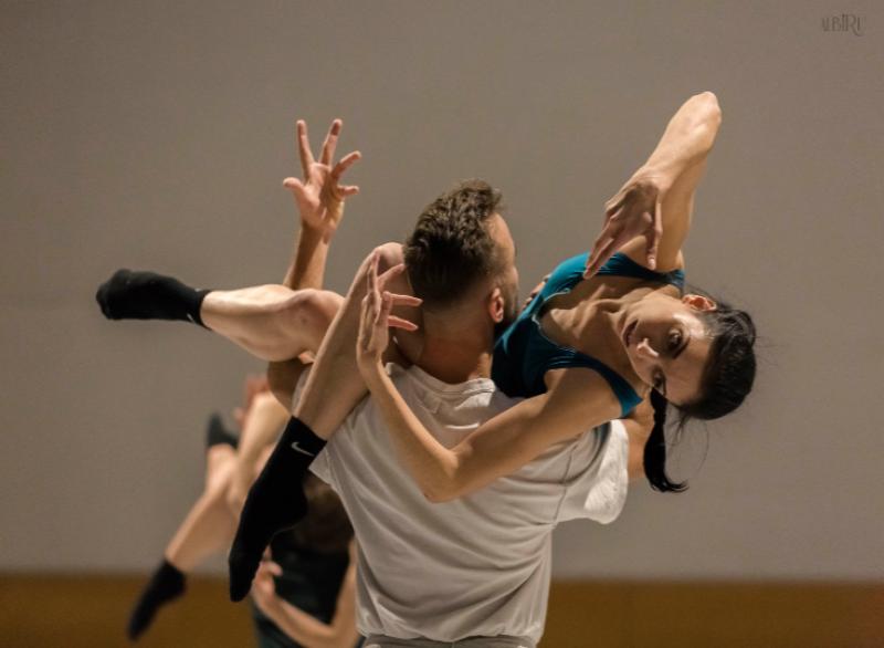 bailarines de ballet  COMPAÑÍA NACIONAL DE DANZA 1979 2019   40 aniversario
