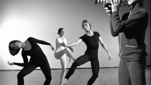 videos bailarines de ballet  Not a moment too soon:  Merce Cunningham & Trevor Carlson
