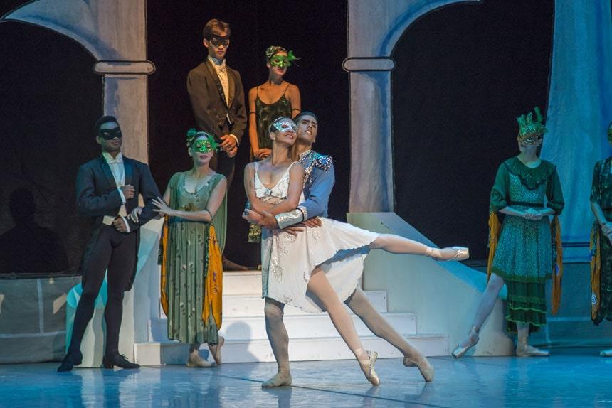 cartelera  El Ballet Nacional de Cuba vuelve a los Teatros del Canal con `El lago de los cisnes´ y `La Cenicienta´