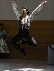 bailarines de ballet  Ensayo de El sombrero de tres picos por la CND, que presentará en el Festival Internacional de Granada