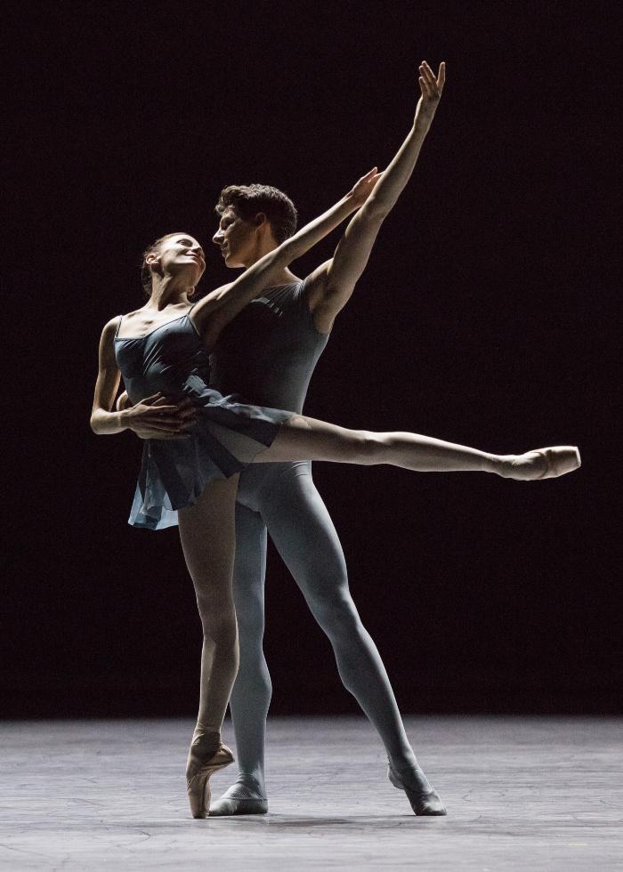 bailarines de ballet argumentos de ballet  Artifact Suite de Forsythe llega al teatro Bolshoi