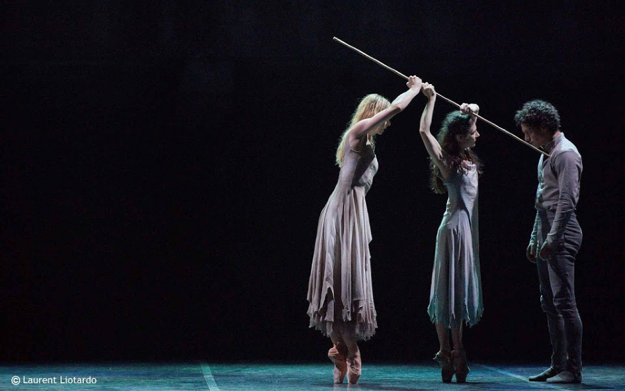 bailarines de ballet  Giselle, del English National Ballet se estrena en el Teatro Real de Madrid