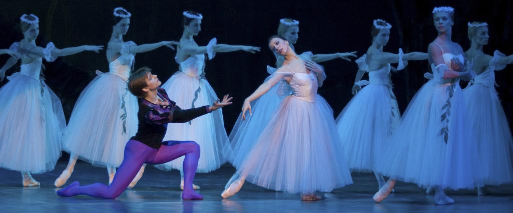 cartelera  Ananda Dansa se despide de los escenarios en Les Arts con el estreno de 'ÂTMAN, EL COMIAT'
