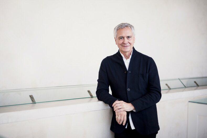 bailarines de ballet  Programación online del Ballet de Hamburgo. El deseo del director es despertar la esperanza y anticipación del final de la crisis mundial