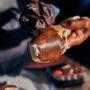 Las zapatillas de puntas marrones llegan después de 200 años